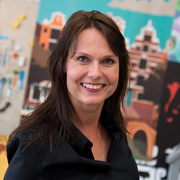 Nathalie van der Poll