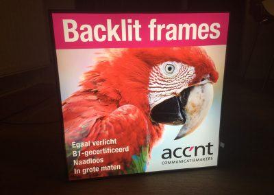 ACCENT_backlit-presentatie-frames